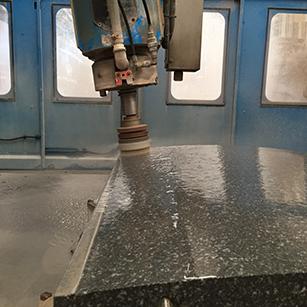 CNC - Productie werkplaats - Overkamp Gedenktekens
