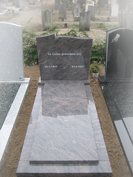 Hymalaya Bleu monument