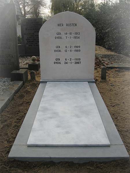Wit Marmer monument
